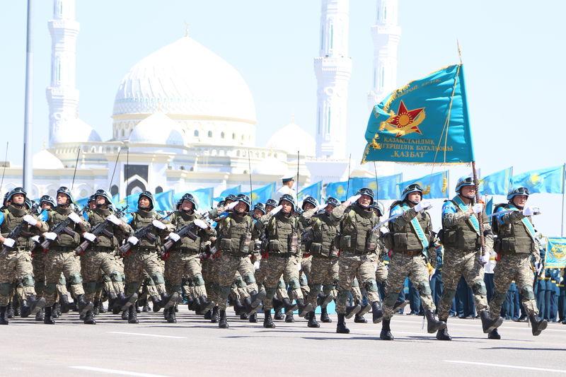Photo of Orta Asya ülkelerinin orduları büyüyor